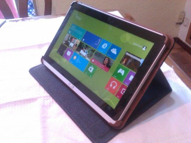 Acer Iconia W700 funda soporte
