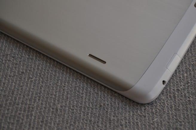 LG G Pad 8.3 ranura y auriculares