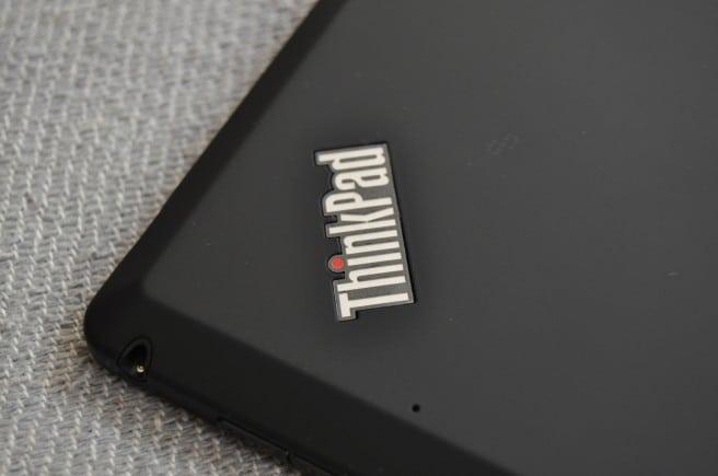 Lenovo ThinkPad Tablet 2 puertos y botones