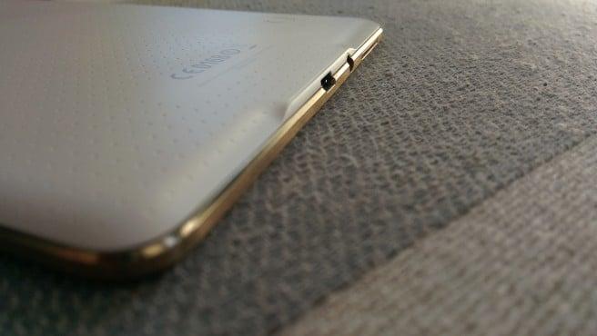 Galaxy Tab S 8.4 perfil inferior