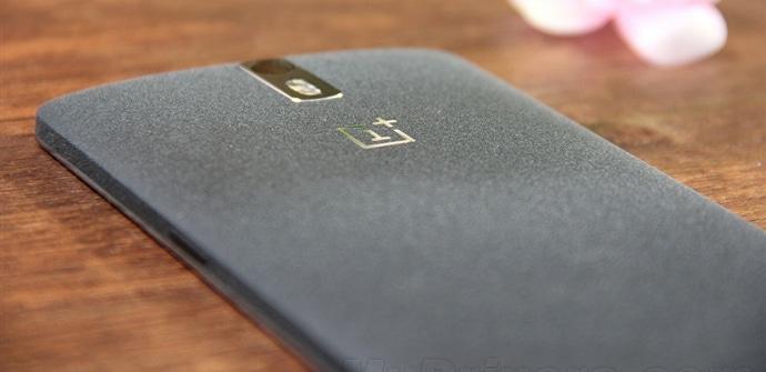OnePlus One trasera negra