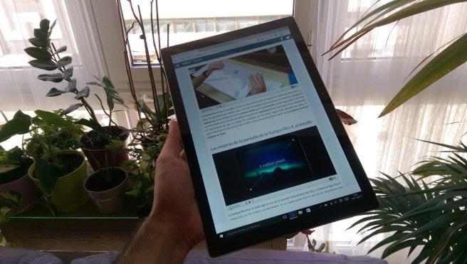 Tablet Surface Windows 10 de frente vertical