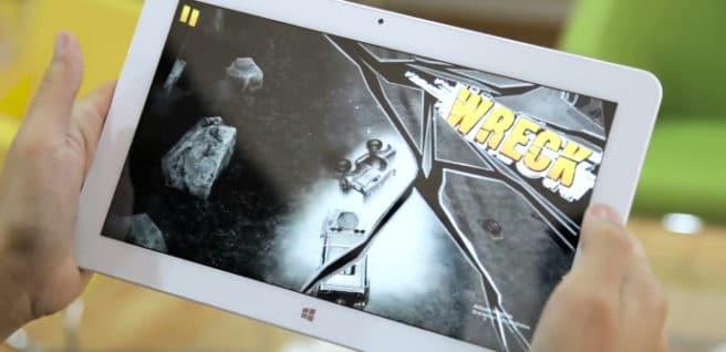 tablet Cube Mix Plus moviendo un juego