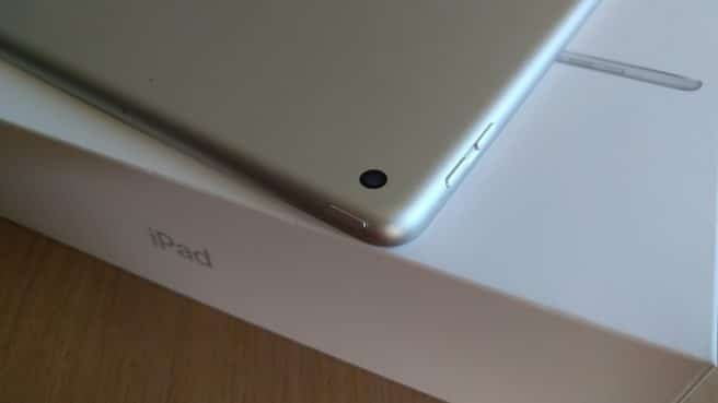 Apple iPad 2017 power buton