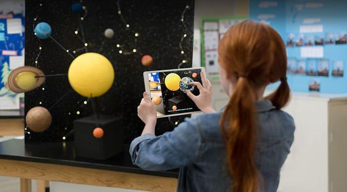 Francia prohibe el uso de tablets en los colegios